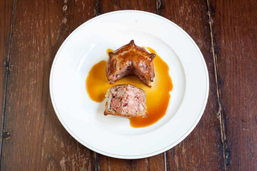 Pork pie and gravy