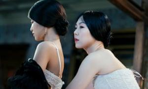 Kim Min-hee and Kim Tae-ri in The Handmaiden (2016).