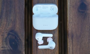 truly wireless earbuds buyers guide - anker liberty air 2
