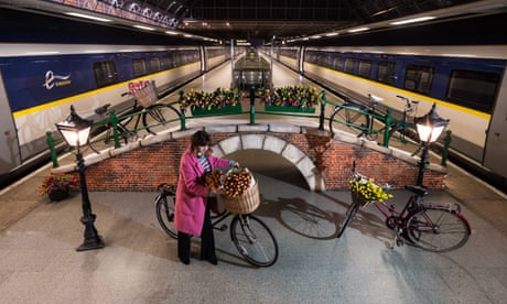 Eurostar expands London-Amsterdam service to three trains a day