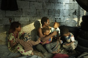 A displaced family in a camp behind the UN offices in Hodeidah in January 2018.