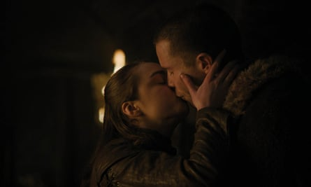 Shooting the breeze and seizing the day ... Arya and Gendry.