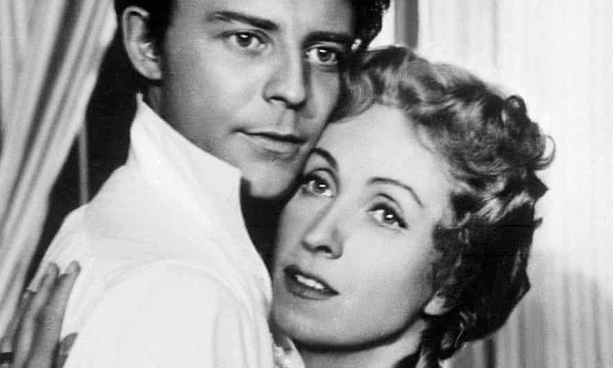 Danielle Darrieux and Gérard Philipe in Le Rouge et le Noir, 1954.
