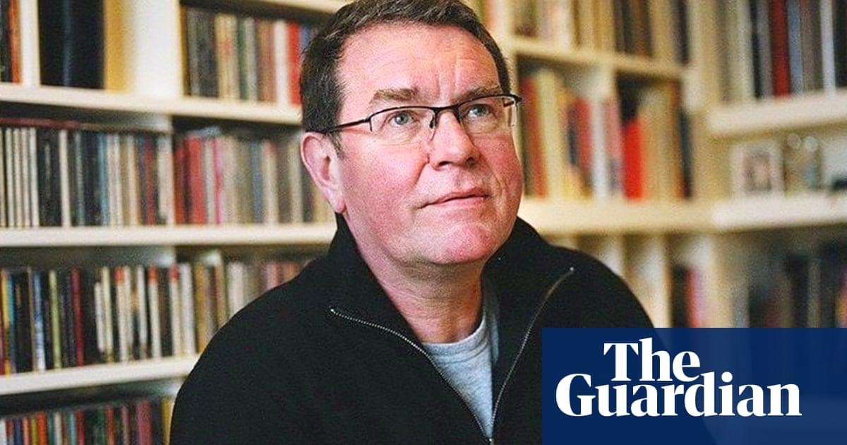 Vaughan Oliver, celebrated 4AD graphic designer, dies aged 62
