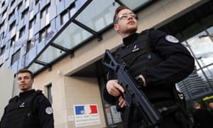 French police have made eight arrests in an alleged far right plot targeting politicians.