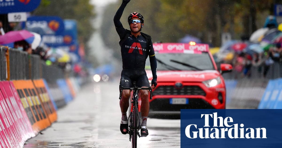 Jhonatan Narváez takes stage 12 but Giro overshadowed by Covid concerns