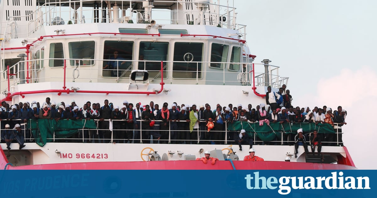 Rescue ship suspends work after 'threats by Libyan coastguard'