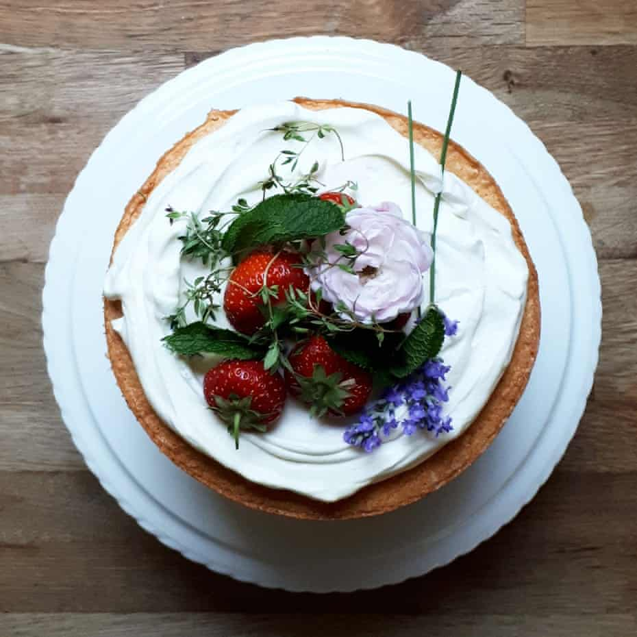 Midsummer cake by Kate Young