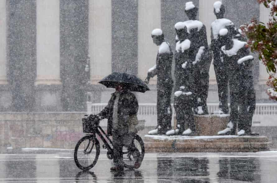 Heavy snowfall in Skopje.
