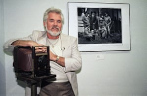 In 1986 Kenny Rogers embarked on a new career in photography. He documented his cross-country concert tours in a book, Kenny Rogers' America