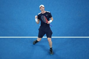 The third set goes to a tie-break where Murray exerts his experience and wins it 7-5 with a drive-volley
