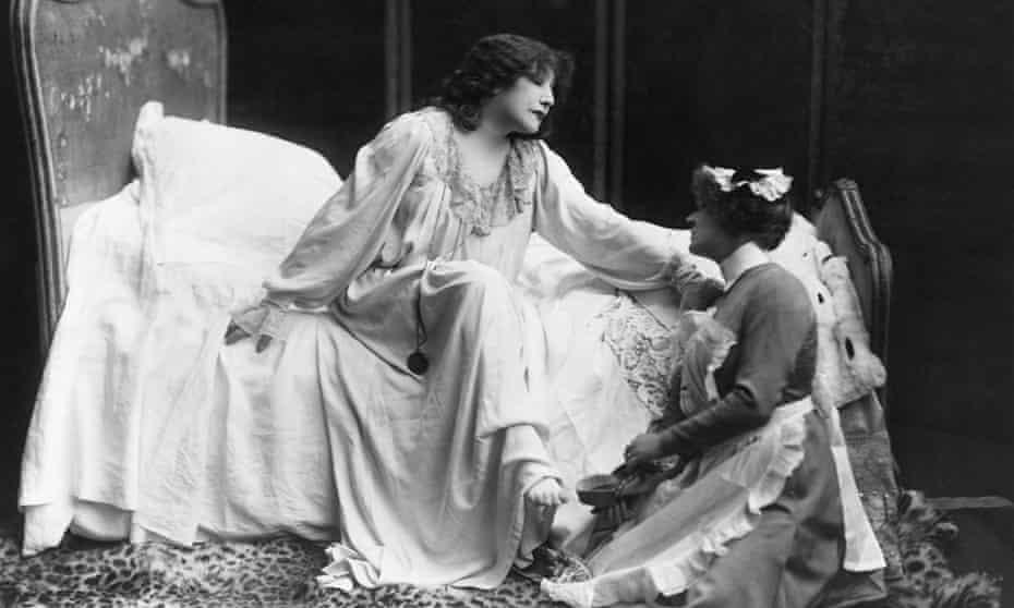 Sarah Bernhardt as the consumptive courtesan Marguerite Gautier/Camille in La Dame aux Camélias, circa 1913.
