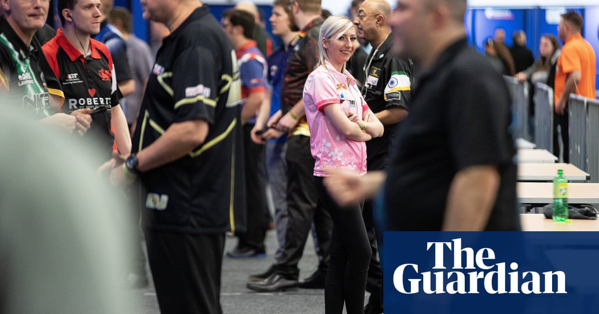 Delusions, chaos and a shot at a new life at Q-School, darts' dream factory | Jonathan Liew