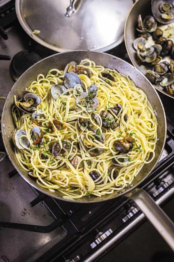 Spaghetti vongole, as serve in Campania in southern Italy (and Manhattan).