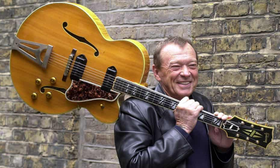 Chips Moman with his 1957 Gibson Super 400 CES guitar, which accompanied Elvis Presley between 1957 and 1961.