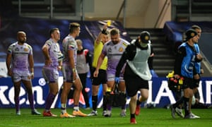 Francis is given a yellow card by referee Nigel Owens
