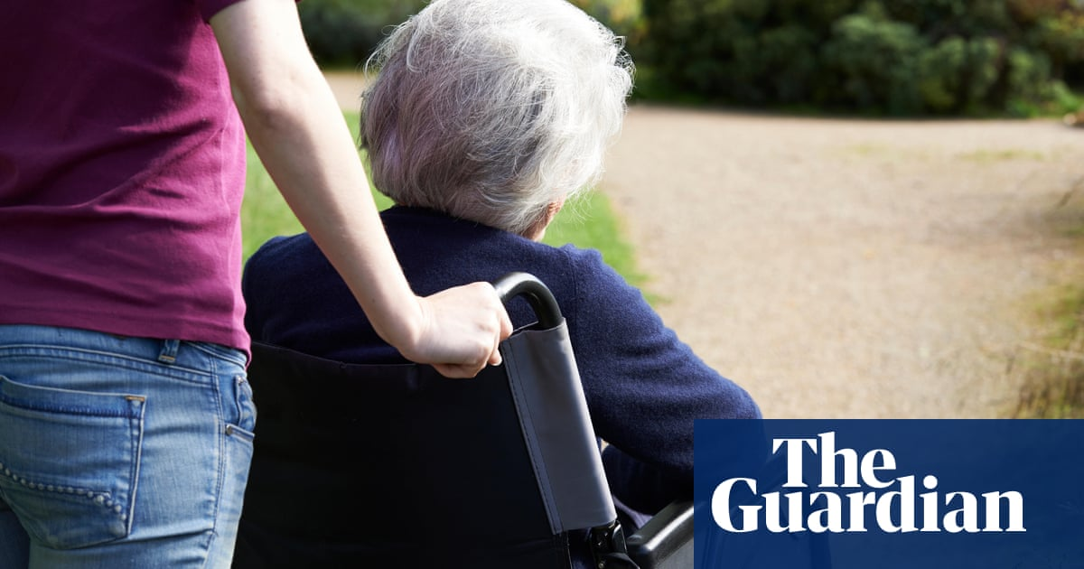 Dementia risk lower for people in stimulating jobs, research suggests