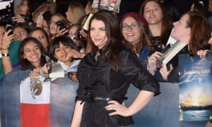 Author Stephenie Meyer with Twilight fans at a movie premiere.