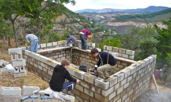 Volunteers including many gap year students from the UK spend time working in Guatemala.
