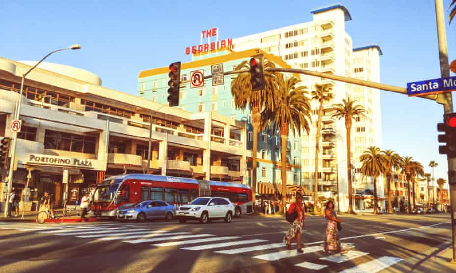 People crossing the street in Santa Monica, LA