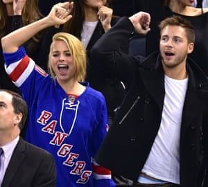 Margot Robbie with husband Tom Ackerley at an ice hockey game in New York in 2015