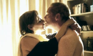 Louise Goodall and Peter Mullan embrace in My Name Is Joe.