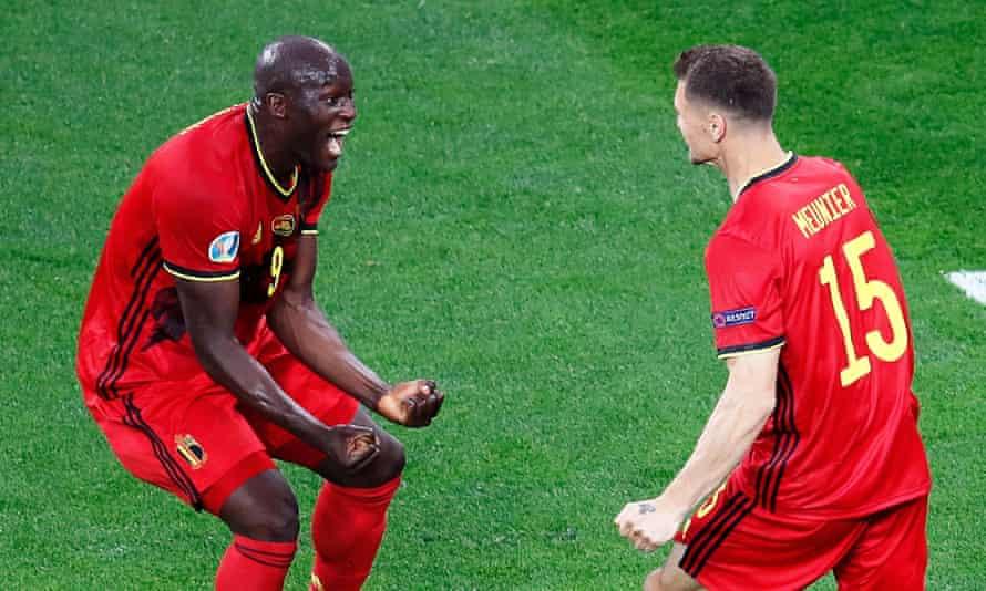 Thomas Meunier celebrates with Lukaku after scoring Belgium's second goal