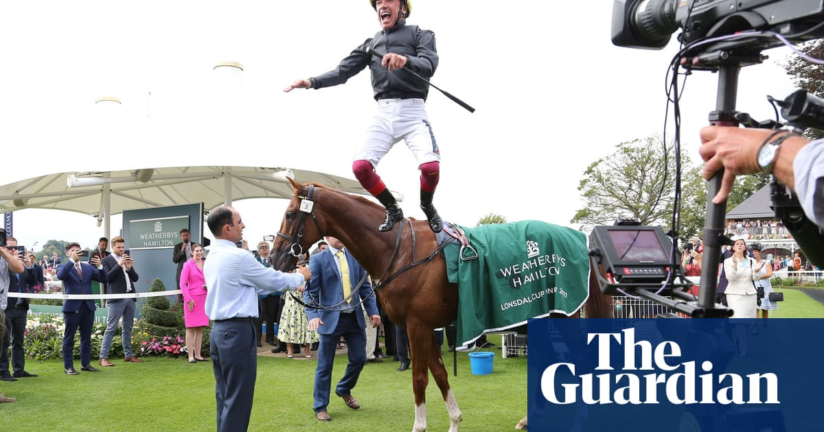 Dettori brings Stradivarius to concert pitch for thrilling Lonsdale victory