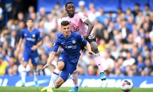 Ndidi is dispossessed by Mason Mount, who broke through on goal to give Chelsea the lead.