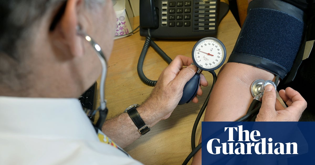 A third of middle-aged UK adults have at least two chronic health issues – study