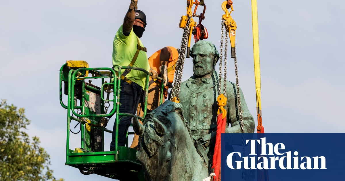 Charlottesville removes Confederate statues that helped spark deadly rally
