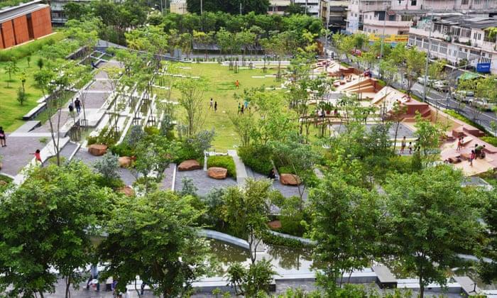 """Résultat de recherche d'images pour """"chulalongkorn centenary park heavy rain"""""""