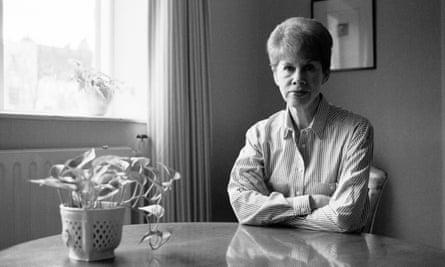 Anita Brookner in 1990.
