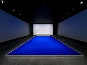 Pigment bleu sec (Dry blue pigment) by Yves Klein