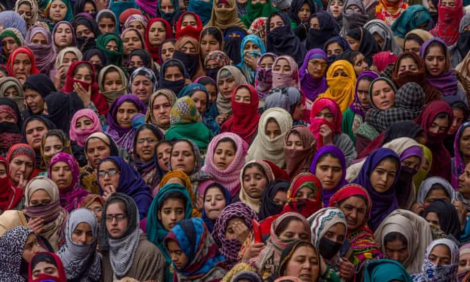 Muslim women at the funeral of Kashmiri rebels