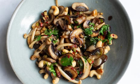 Nigel Slater's mushrooms with ginger and coriander recipe