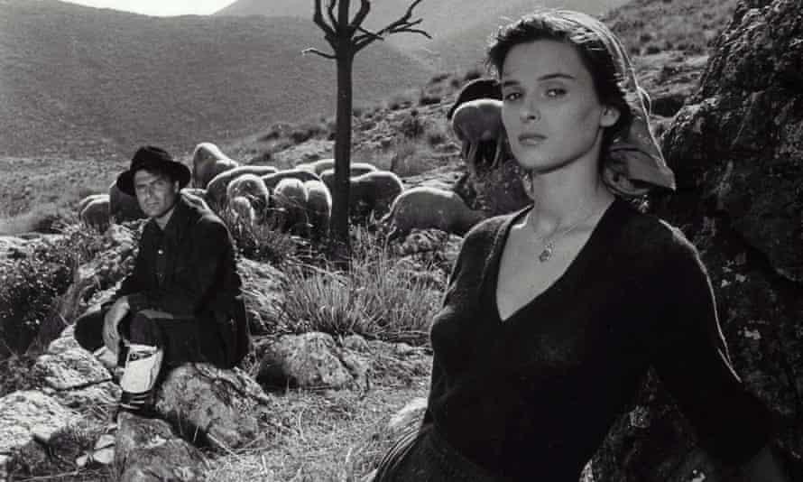 Lucia Bosé in Giuseppe De Santis's film Non c'è Pace Tra Gli Ulivi, 1949.