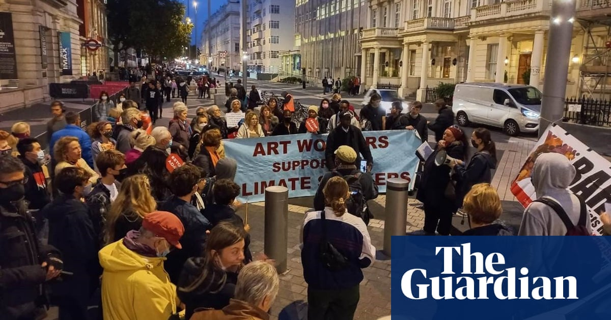 Climate activists 'occupy' Science Museum over fossil fuel sponsorship
