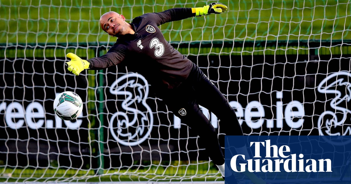 Injury puts West Ham's £4m move for goalkeeper Darren Randolph on hold