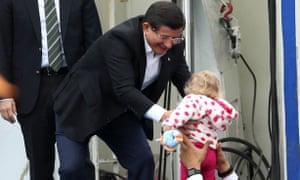 Prime minister Ahmet Davutoğlu on the campaign trail on Saturday.