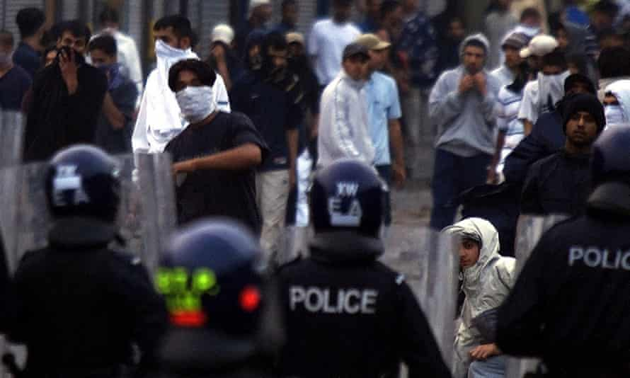 Clashes between police and young people in Bradford, on 7 July 2001.