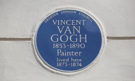 A blue plaque on 87 Hackford Road, Stockwell