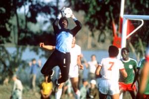 Cameroon goalkeeper Thomas N'Kono