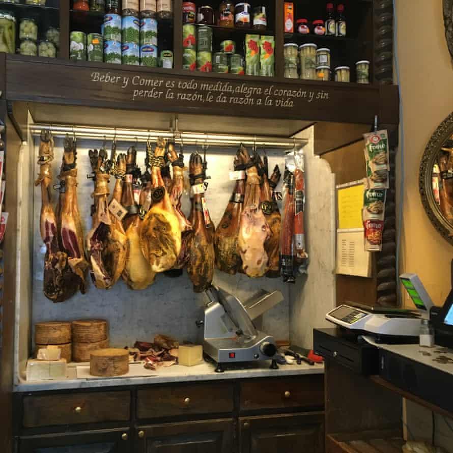 Seasoned ham in bar Veedor, Cadiz