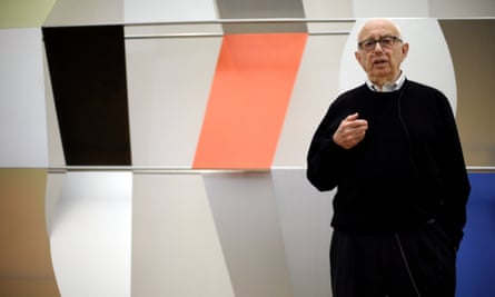 Ellsworth Kelly speaks during a press preview at the the Barnes Foundation in 2013 in Philadelphia.