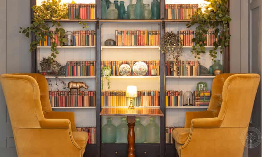 The lilbrary at Number 38 Clifton