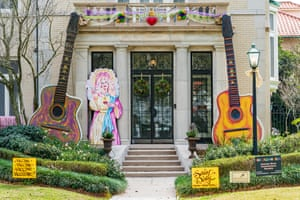 A house is decorated in honour of Dolly Parton