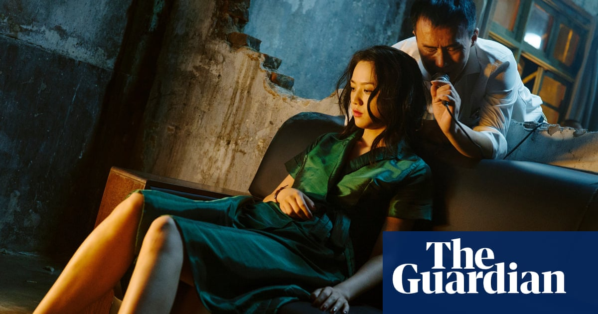 Chinese arthouse film breaks box office records after