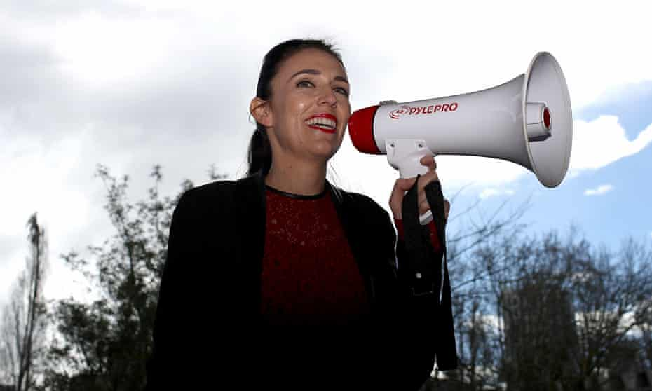 New Zealand Labour party leader Jacinda Ardern speaks to students in the Auckland University Quadrant on 1 September 2017.