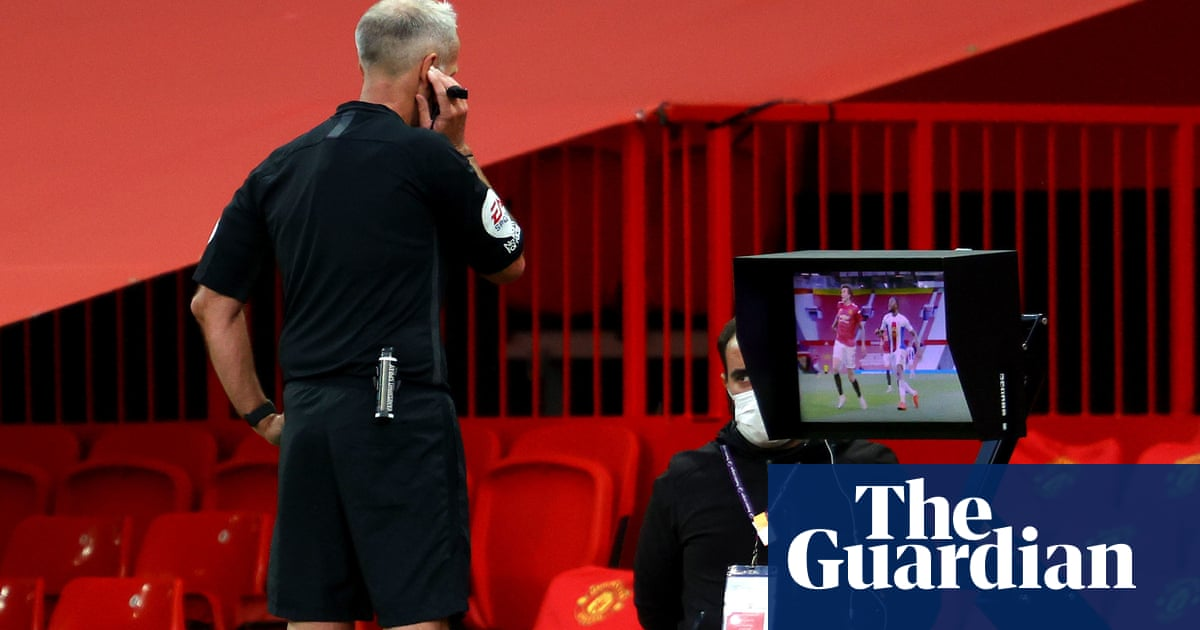 Premier League referees to be more lenient on handball after outcry